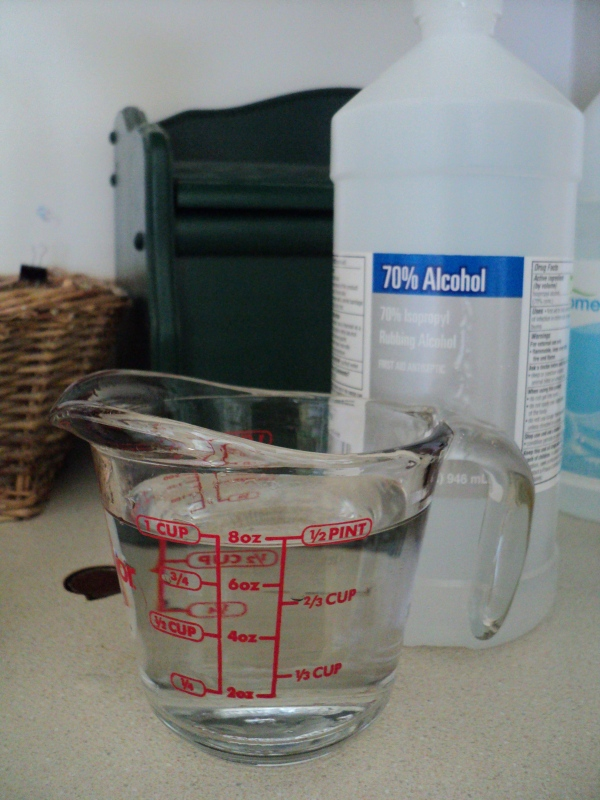 1 cup rubbing alcohol